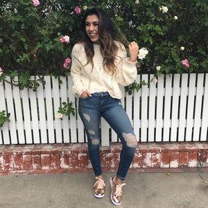 Wildfox Sweaters - Cream Wildfox sweater